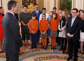 Wood River Middle School students meeting the King of Spain