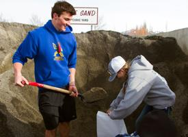 Wood River High School Students filling sandbags