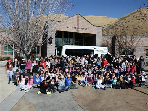 photo of students with Sun Valley Tour de Force and Idaho Basecamp