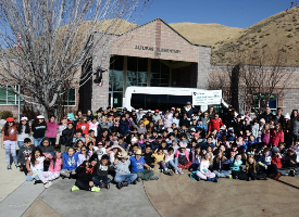 photo of students at Alturas Elementary with SV Tour de Force and Idaho Basecamp