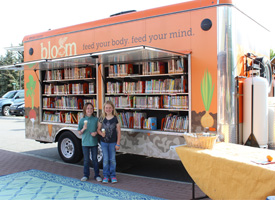 Students standing next to Bloom Truck